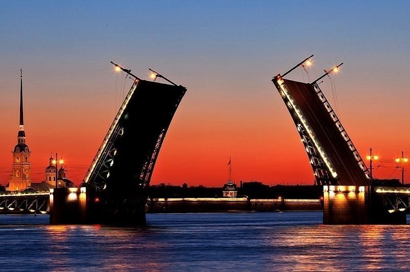Разводные мосты Невы